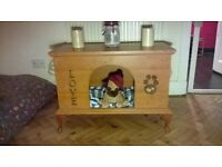 Bespoke Treasure Pets Doggie and Kittie Dens