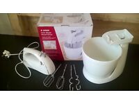Hand and Stand Mixer in one, beaters and dough hook included