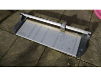 Guillotine A1 Professional Precision Paper Cutter 880mm 20 Sheets Paper At Once!