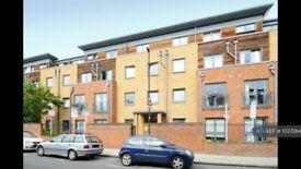 1 bedroom flat in Effra Parade, London, SW2 (1 bed) (#1037284)