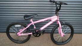 CHILDS AVAGO BMX. BIKE IN VERY GOOD CONDITION.. (SUIT APPROX AGE 6 / 7+)..