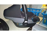 Maxi Cosi Pebble and EasyBase 2