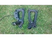 DUCATI 600 750 900 SS PAIR FRONT FOOTRESTS & HANGERS
