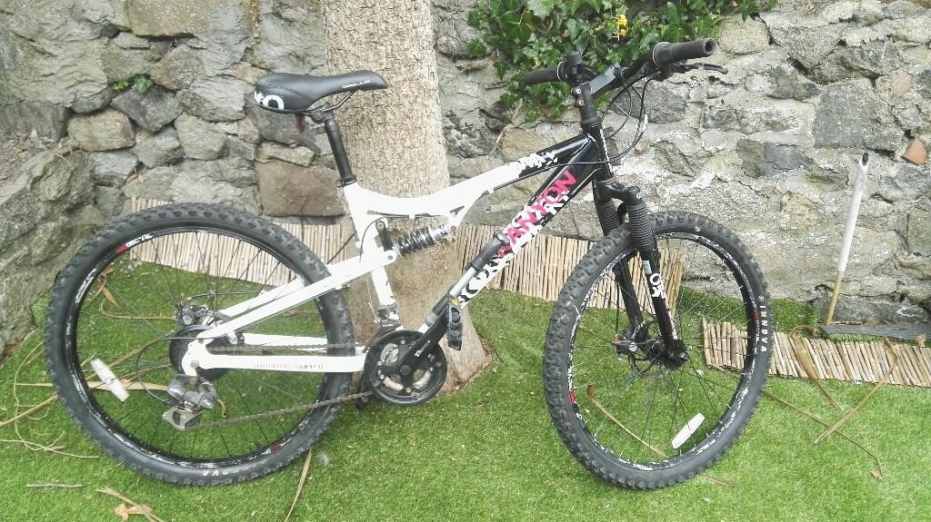 Apollo Kanyon Mens 21 Speed 17 Mountain Bike In Camborne