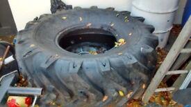 Strongman tyre crossfit HIIT MMA Boxing
