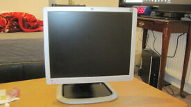 HP LCD monitor perfect working order height and rotation adjustable