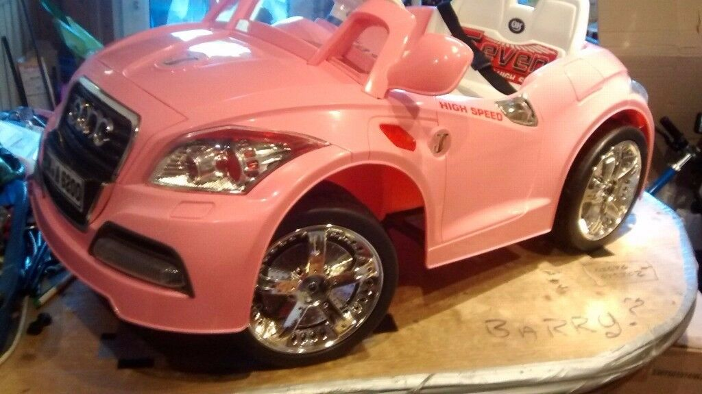 Electric ride on: Audi cabriolet 6 volt in pink: (new and unused)
