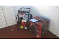 Petrol pressure washer 3000psi 6.5hp brand new and unused still boxed 206bar, ready for work can del
