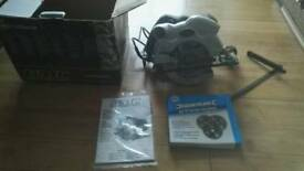 GMC circular saw with extra pack of cutting discs as new no offers
