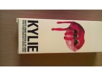 kylie lipstick in rough colour never been opened have 3 left