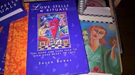 Love spells and rituals Book and card pack