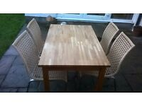 kitchen Table & Chairs £65.00