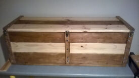 Hand crafted solid wood/timber waxed wooden blanket box/ottoman/storage trunk/chest/kist/window seat