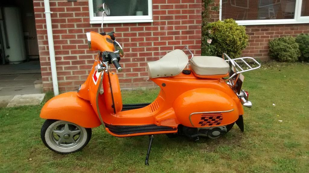 neco abruzzi vespa style scooter 125cc mot till january good condition used daily great. Black Bedroom Furniture Sets. Home Design Ideas