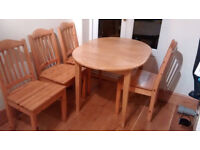 Extendable Dinning table with chairs