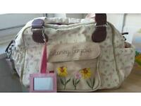 BLOOMING GORGEOUS CHANGING BAG YUMMY MUMMY
