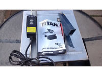for sale triton electric tile cutter,very good condition 2 spare blades hardly been used, a bargain