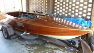 Ski Boat SEACRAFT Timber