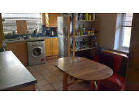 Room to let in spacious property in Crosby, Liverpool. Just off College Road. Close to transport.