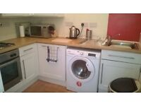 Bright Central 4 Bed Flat, off Leith Walk to suit 4 Students, 4 Flat Share or Family