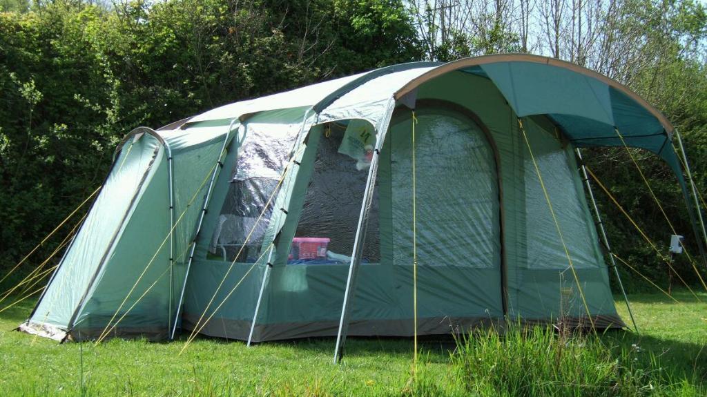 Attwoolls Frampton 6 Person Family Tent In Yate Bristol