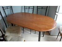 Dining table. Medium/large.