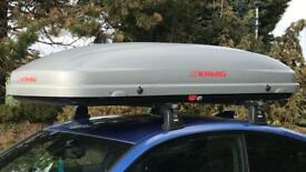 Kamei roof box and Thule roof rack for bmw