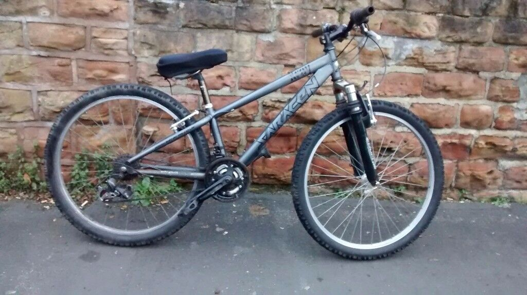 SARACEN X RAY FRONT SUSPENSION DOWN HILL / DIRT MOUNTAIN BIKE