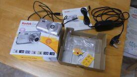 Kodak EasyShare Zoom Digital Camera V1003 in Good working order.