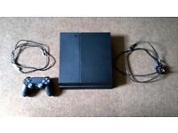 PlayStation 4 500GB + Controller + USB Cable + Power Cable + 1 Game