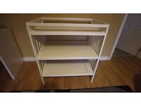 Very good quality baby changing table