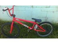 SCOTT BMX BIKE - SUIT TEENAGER - £60.00 ONO
