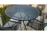 Kettler Table, 4x curved back Chairs, 4x cusions