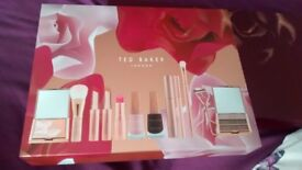 Ted Baker - Ted's Bouquet Make Up Set