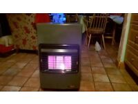 Portable gas heater de longhi calor type complete with bottleofgas home /workshop/garage 07718671691