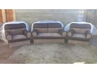 3 piece suite, still in original packaging, Brand new, can deliver.