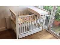 MAMAS AND PAPAS COT WITH CHANGING TABLE, MATTRESS & STORAGE DRAWER