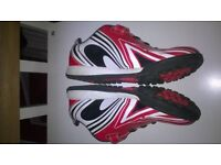 clarkes football boots childrens 2.5