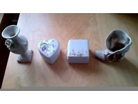 JOBLOT OF 4 UNUSUAL JEWELLERY PORCELAIN TRINKETS, PILL BOXES