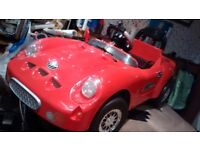 retro style Porsche roadster electric ride on