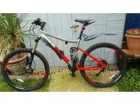 BRAND NEW vodoo canzo mens bike + 2 locks and pumps
