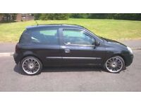 renault clio with extras!