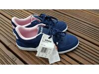 Adidas neo hoops women size 5 trainers