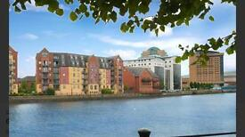 Ensuite double room in stunning apartment in Belfast City Centre - Fab central location!!!
