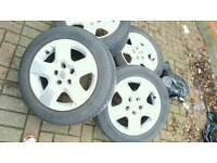 Set of wheels and tyres