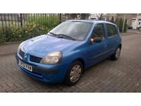 RENAULT CLIO 1.1, BLUE, 5 DOOR HATCHBACK, CHEAP TO INSURE,TAXED & MOT, CHEAP! TEL.07803366789