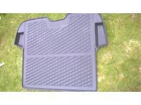 Rubber matts and semi rigid boot liner for Volvo v50