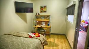 Walking to McGill – Fully Furnished & Hi-Speed WIFI