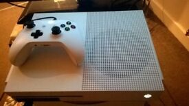 (Used) boxed xbox one s with controller turle beach headset and games
