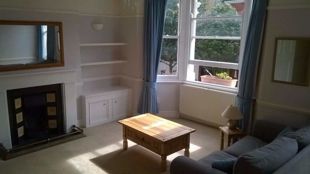 Sunny flat in Clapham Junction, SW11!